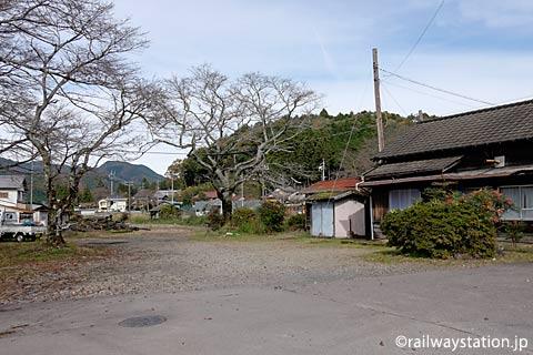 長良川鉄道・大矢駅、余裕ある駅構内スペース