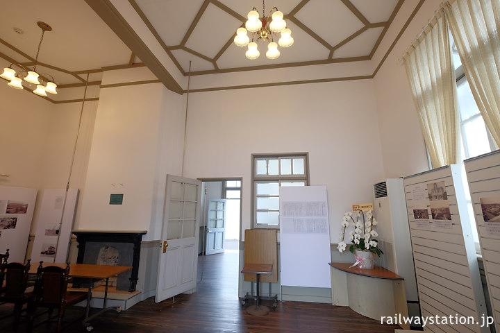 浜寺公園駅、ギャラリーになった旧特等待合室
