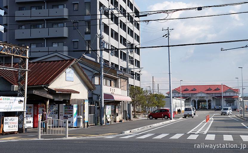 阪堺電気軌道の浜寺駅前が目の前の南海電鉄・浜寺公園駅