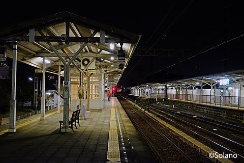 南海、夜0時前の浜寺公園駅プラットホーム