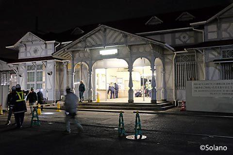 浜寺公園駅、明治の洋風駅舎引退直後に封鎖される駅