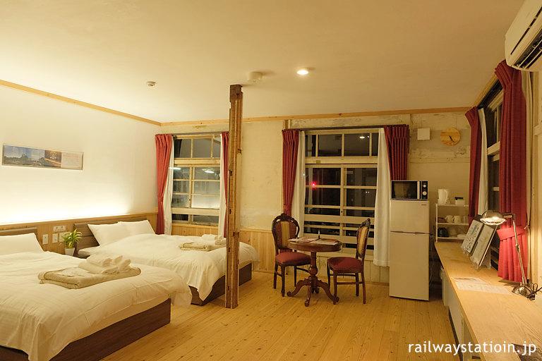 南海高野線、高野下・駅舎ホテル「高野」の部屋