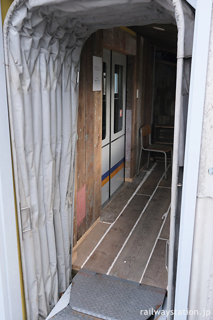 九度山駅「おむすびスタンドくど」イートインスペース入口