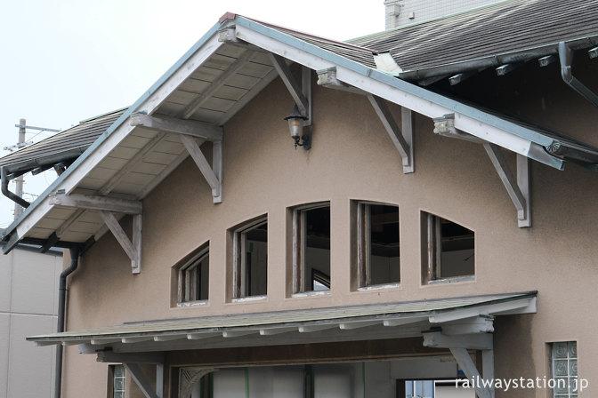 南海本線・諏訪ノ森駅旧駅舎、ステンドグラスがあった所