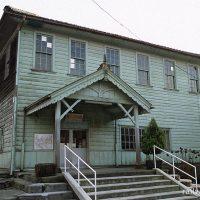 近江鉄道・新八日市駅、前身の湖南鉄道の本社が入っていた洋風木造駅舎