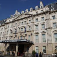 ヒルトン・ロンドン・パディントン、1854年築の古典的なフランス宮殿風