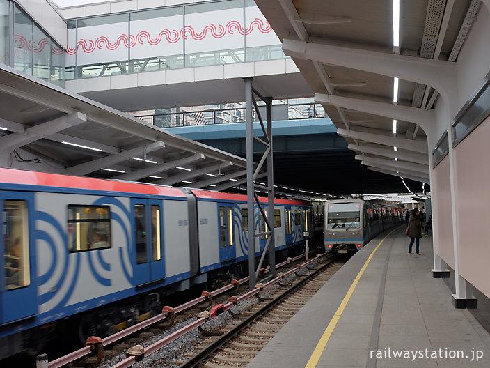 モスクワ地下鉄4号線、クトゥーゾフスカヤ駅