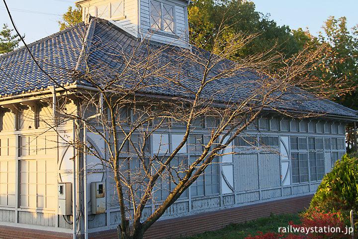 秩父鉄道・秩父駅旧駅舎、かつてのホーム側部分の造り
