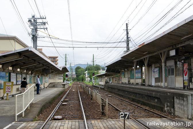 広島電鉄・広電廿日市駅、軌道線・鉄道線両対応のホーム