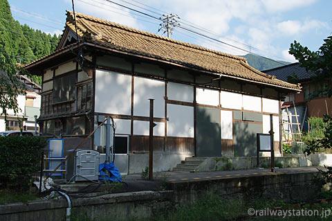 北陸鉄道・石川線末端部廃線後の加賀一の宮駅の駅舎ホーム側(2010年)