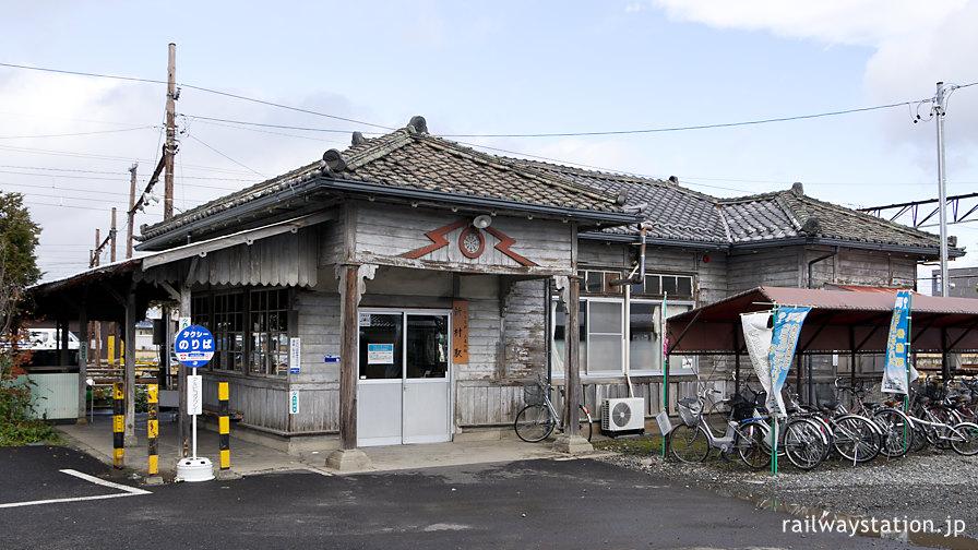 アルピコ交通(松本電鉄)・新村駅、開業の大正10年以来の木造駅舎