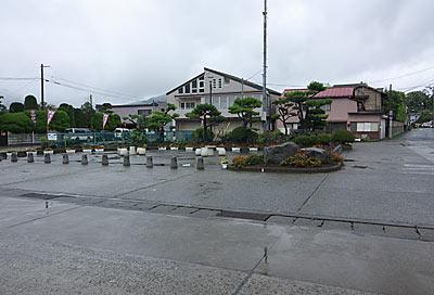 富士急行・下吉田駅前の風景