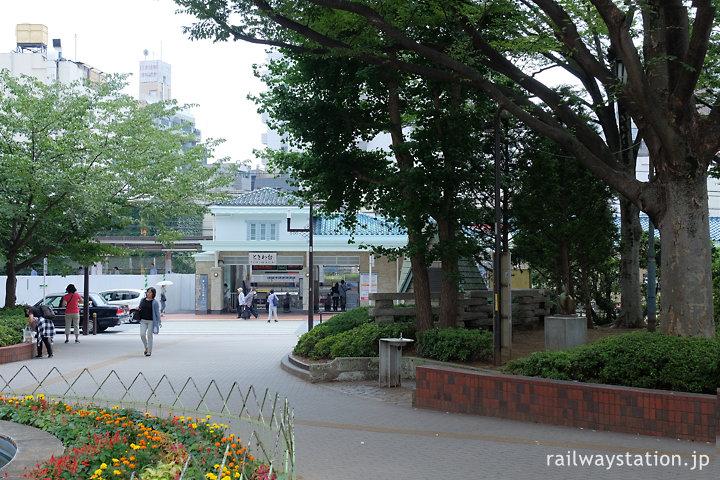 東武鉄道東上線・ときわ台駅、駅前のロータリー